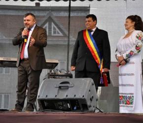 Irina Loghin la Pătrăuţi (foto 3)